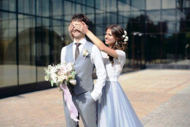 Сочетание нарядов жениха и невесты